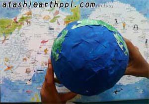 北極から見た図を地図と比較
